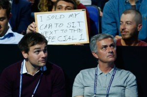 chelsea-fan-sits-next-to-jose-mourinho
